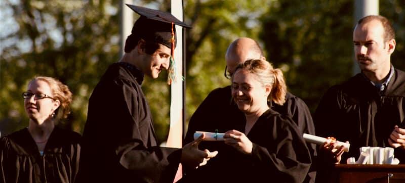 délivrance d'un diplôme reconnu